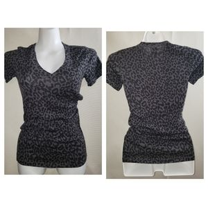 Perfect essential black tee leopard Pink